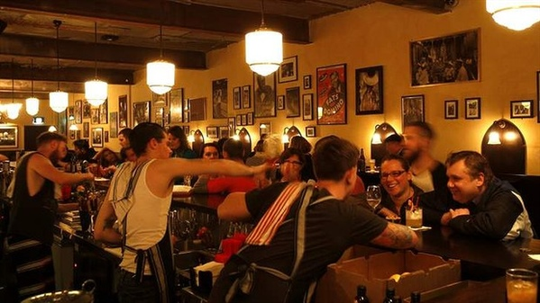 Bar of The Month - Earl's Juke Joint